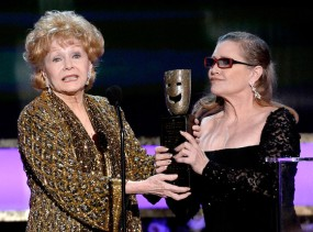 rs_560x415-150125182826-1024-debbie-reynolds-carrie-fisher-sag-awards-winner-ms-012515_copy